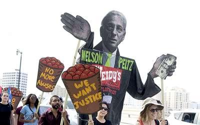 nelson.peltz.protest