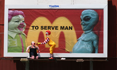serving-man-billboard-photo
